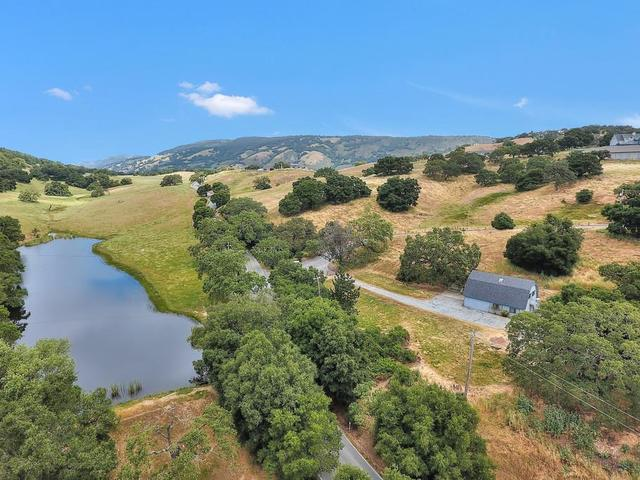 4450 Roop Rd, Gilroy, CA 95020