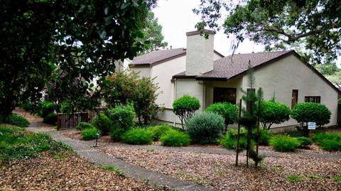 1112 Heather Ln, Pacific Grove, CA 93950
