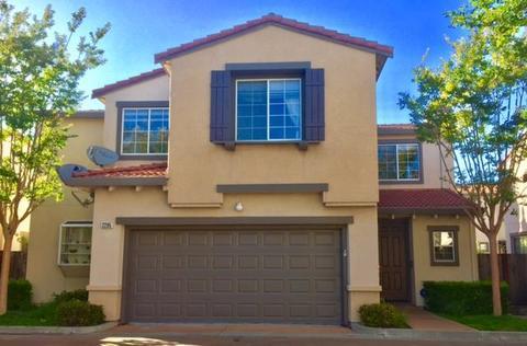 2285 Lenox Pl, Santa Clara, CA 95054