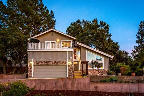 865 Pinecone Dr, Scotts Valley, CA 95066