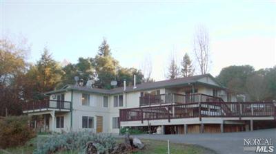 4521 Lake Ridge Rd, Ukiah, CA 95482