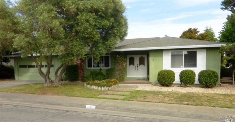 2 Oakcrest Pl, Santa Rosa, CA