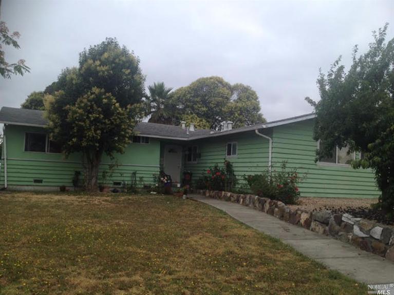 1401 E Sierra Dr, Petaluma, CA