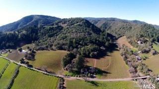 9101 W Dry Creek Rd, Healdsburg, CA 95448