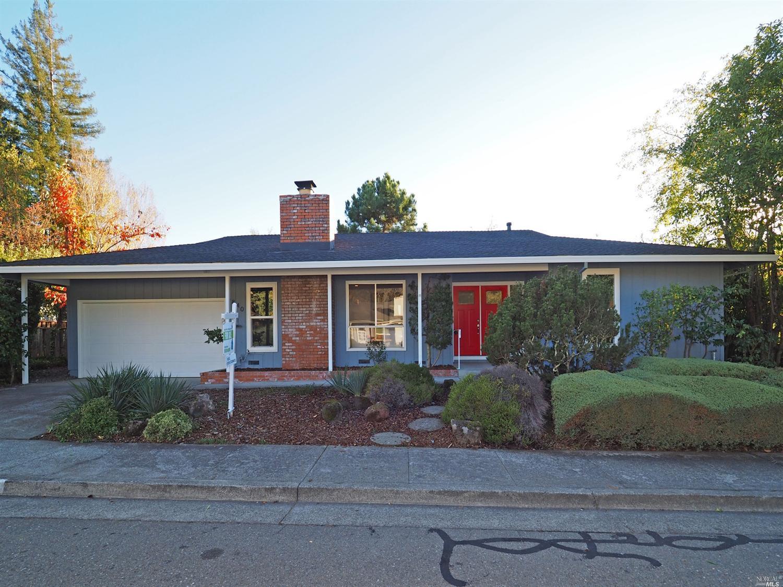 6840 Oak Leaf Dr, Santa Rosa, CA