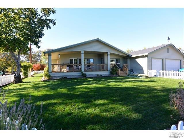 624 10th St, Lakeport CA 95453