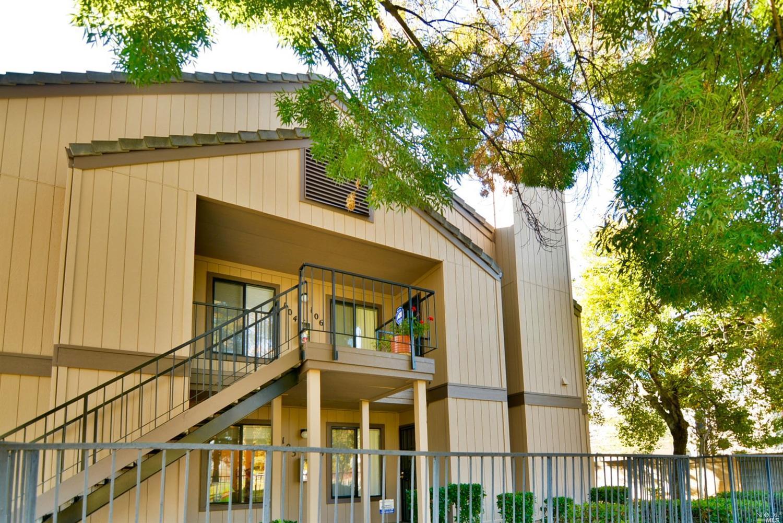 1801 Marshall Rd #APT 105, Vacaville, CA
