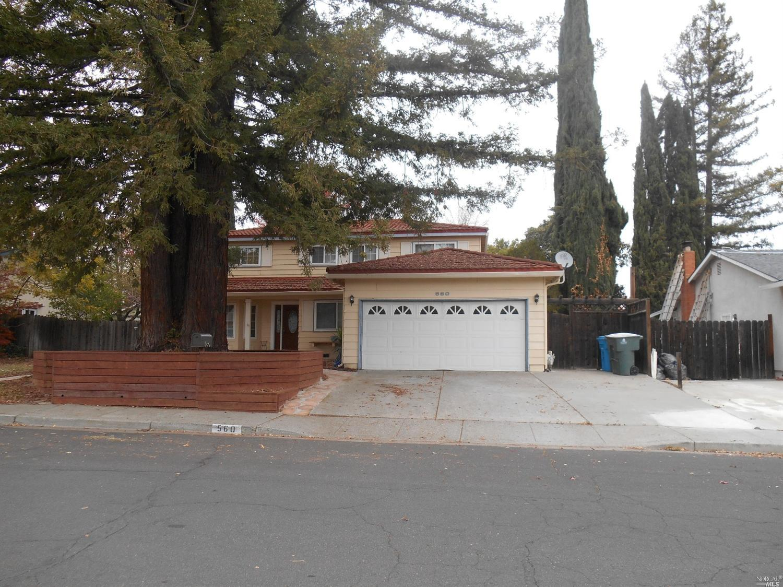 560 Ridgewood Dr, Vacaville, CA