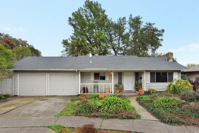 324 Major Dr, Santa Rosa, CA 95403