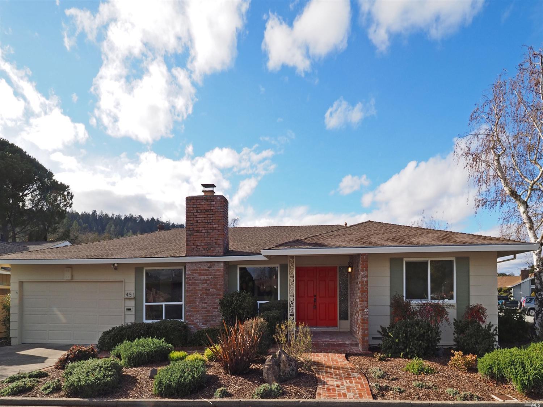 451 Meadowgreen Dr, Santa Rosa, CA