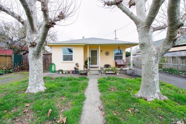 592 Roseland Ave, Santa Rosa, CA