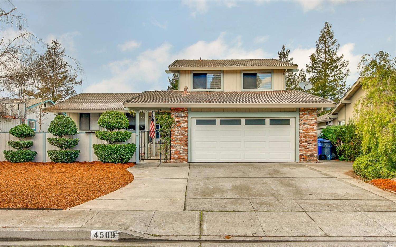 4569 Fairway Dr, Rohnert Park, CA