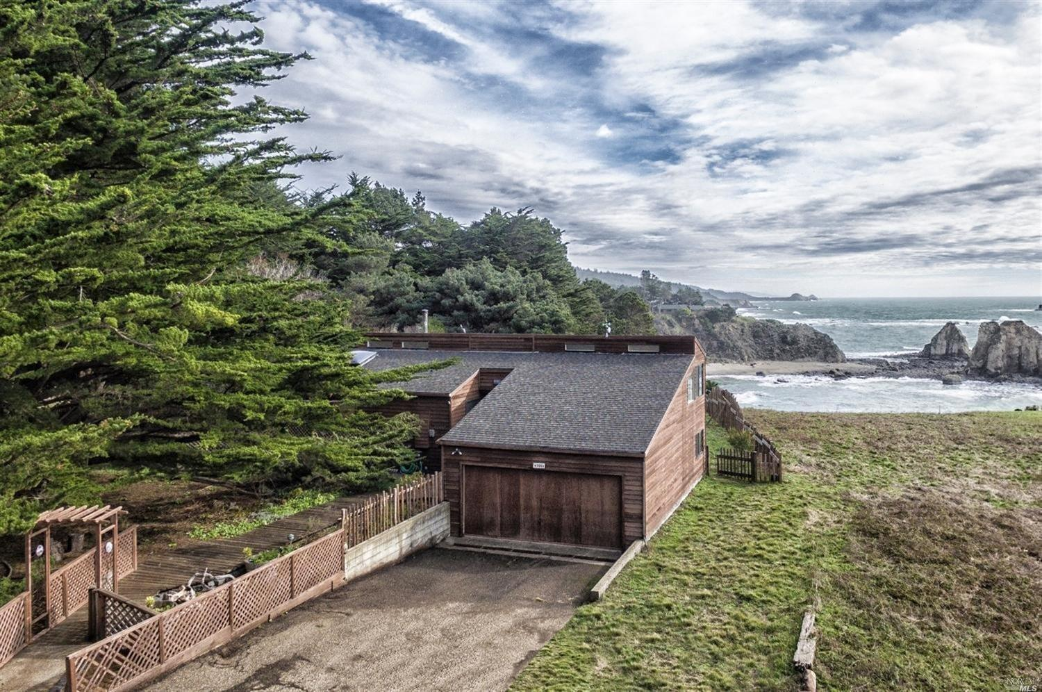 47051 Iversen Point Rd, Gualala, CA