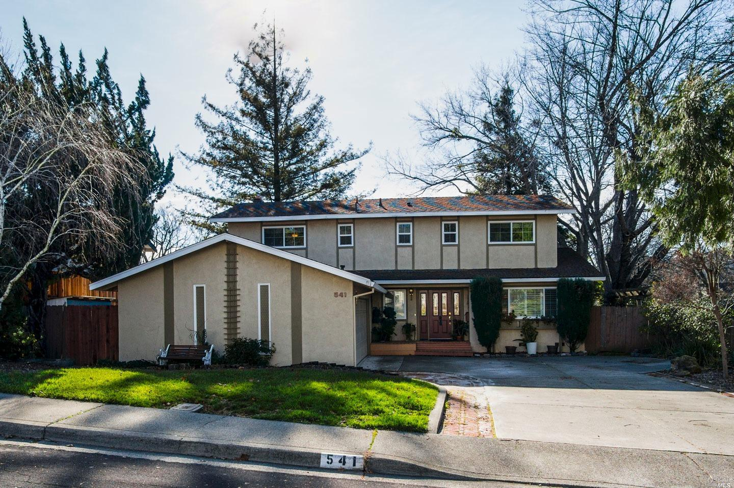 541 Wellington Way, Vacaville, CA