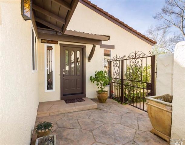 910 Shady Oak Dr, Santa Rosa, CA