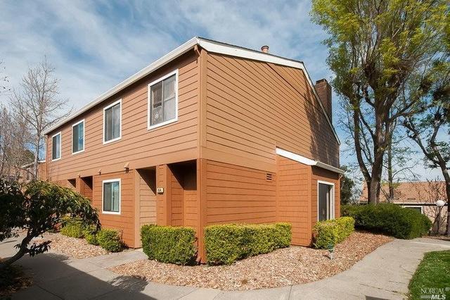 6 Park Crest Ct, Novato, CA 94947