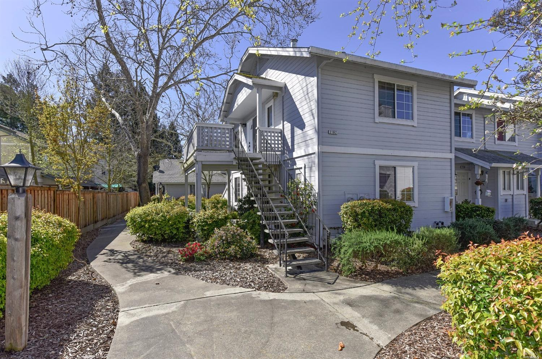 2162 Sunleaf Ln, Santa Rosa, CA