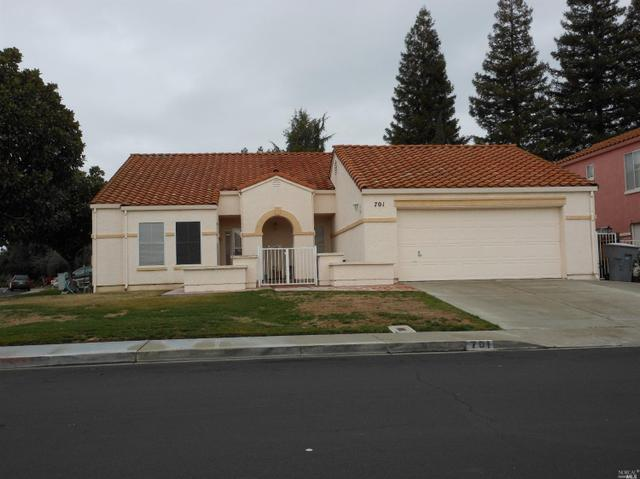 701 Oak Hollow Ave, Vacaville, CA 95687