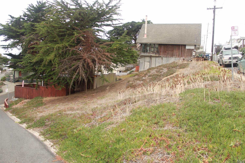 9 Ocean View Avenue, Dillon Beach, CA 94929