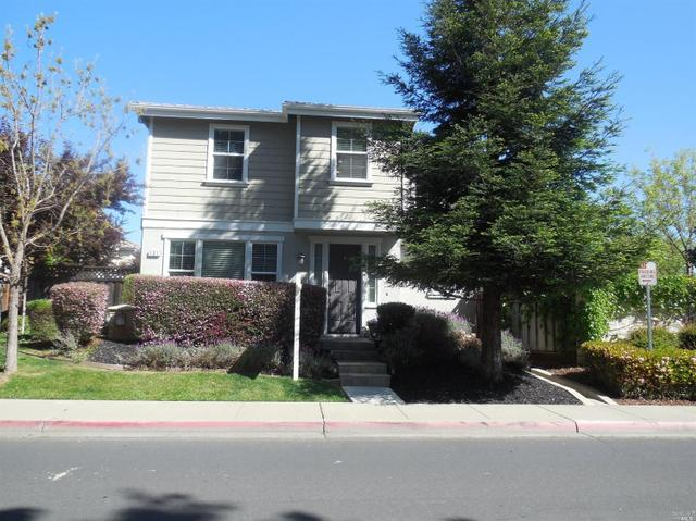 101 Summerfield Dr, Vacaville, CA