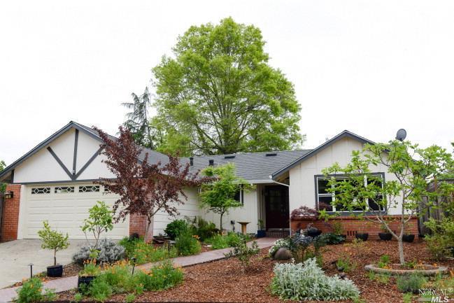 2314 Parkwood Ct, Santa Rosa, CA