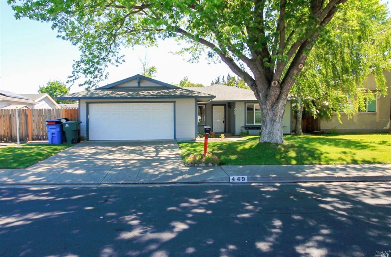 449 Royal Oaks Dr, Vacaville, CA