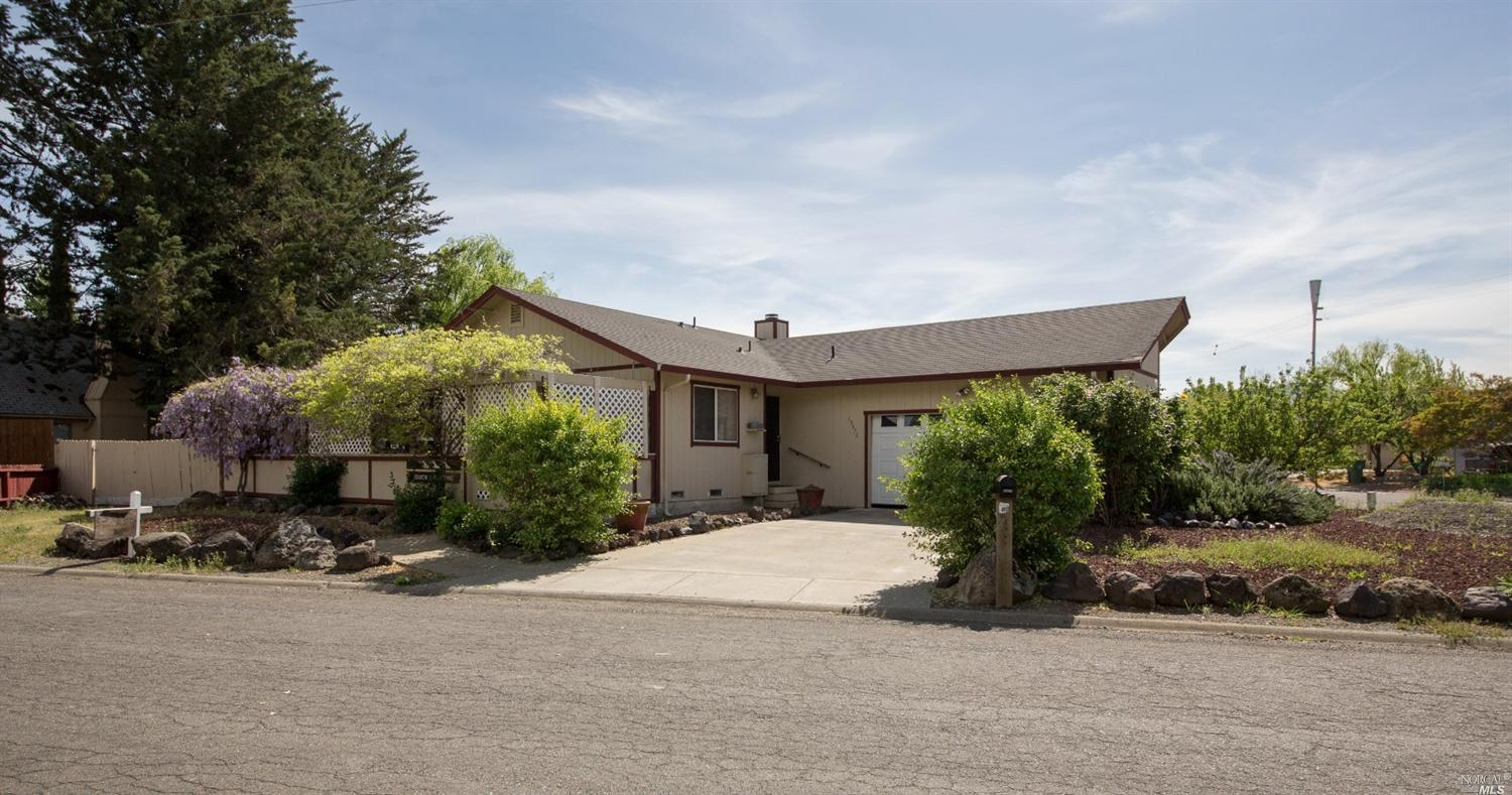 15475 Highlands Harbor Rd, Clearlake, CA