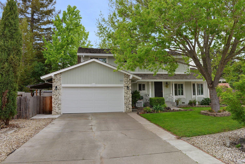 6041 Della Ct, Rohnert Park, CA