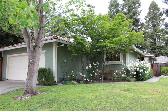 136 Countrywood Ct, Petaluma, CA