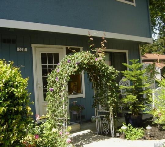 5061 Country Club Dr, Rohnert Park, CA
