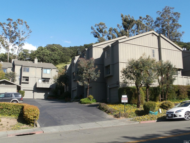 844 Reichert Ave #APT 8, Novato, CA