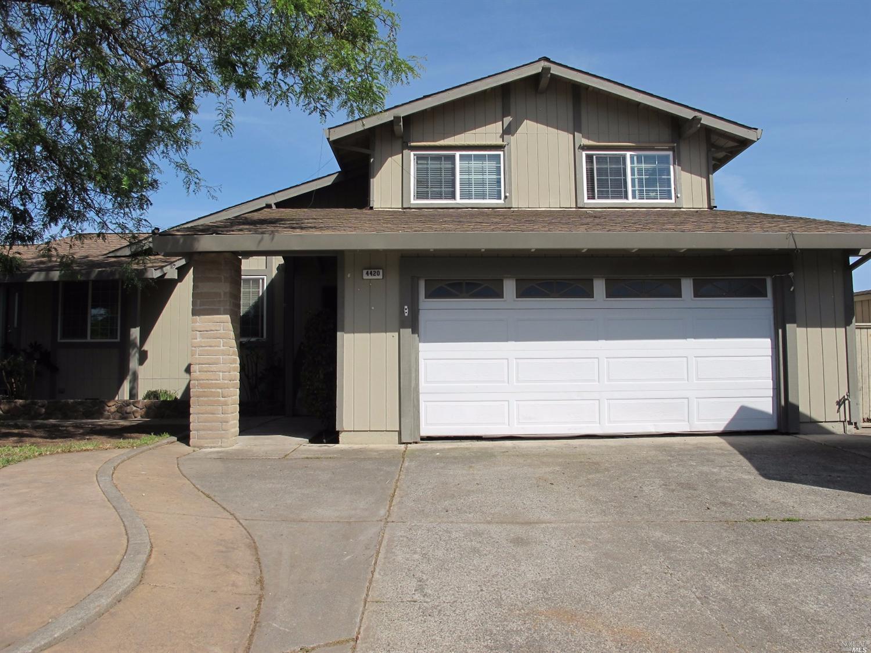 4420 Hazel Ct, Rohnert Park, CA