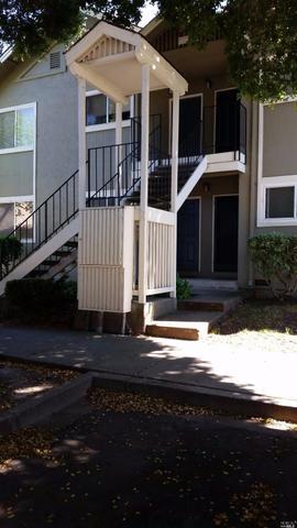 726 Santa Alicia Dr, Rohnert Park, CA