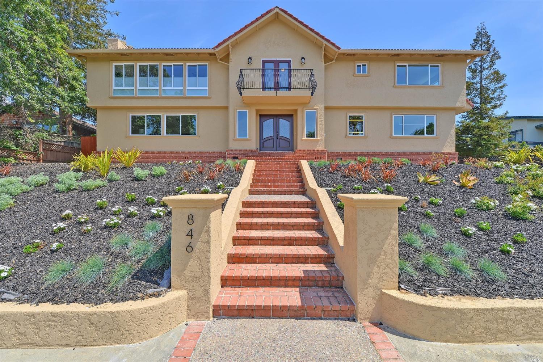 846 Upland Dr, Redwood City, CA
