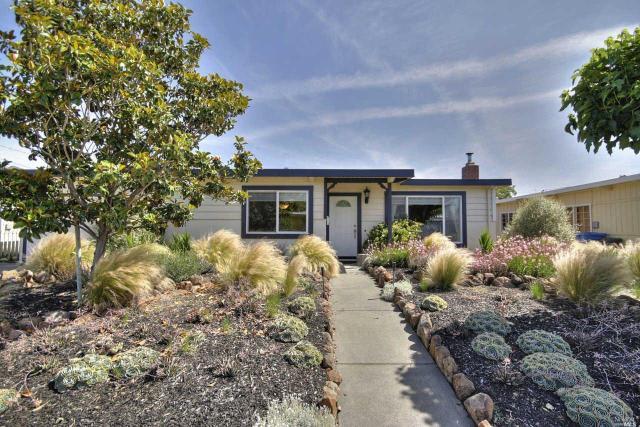 437 Coronado Dr, Petaluma, CA