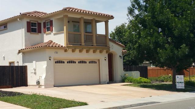 1052 Parkside Dr, Vacaville, CA