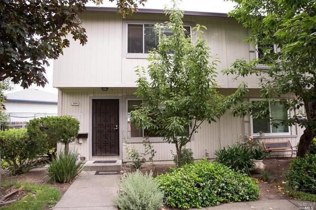 5059 Charmian Dr, Santa Rosa, CA 95409