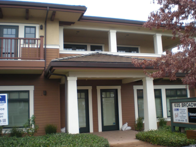 10 Maple Street, Sonoma, CA 95476