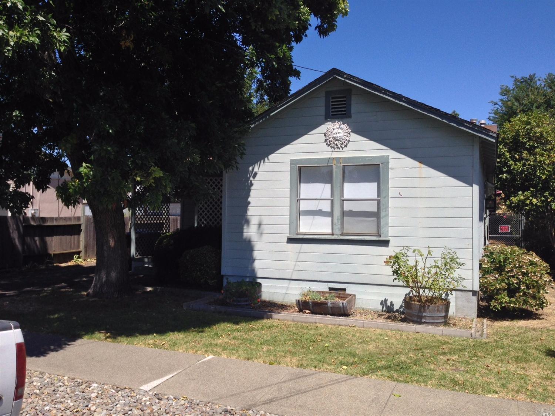 1676 G St, Napa, CA 94559
