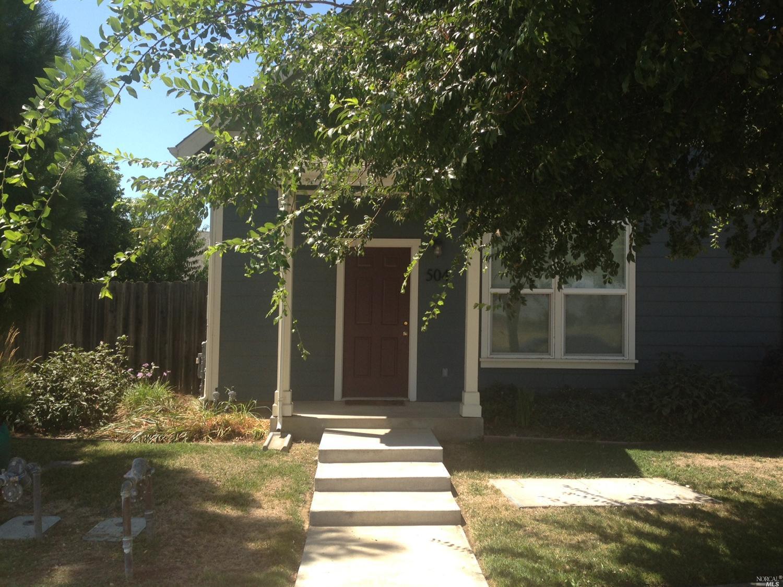 504 E Baker St, Winters, CA 95694