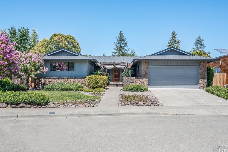 2331 Greenbriar Way, Santa Rosa, CA 95409