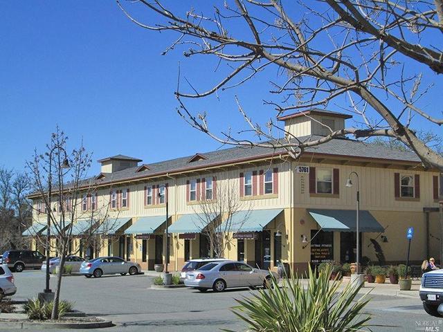 5761 Mountain Hawk Way, Santa Rosa, CA 95409