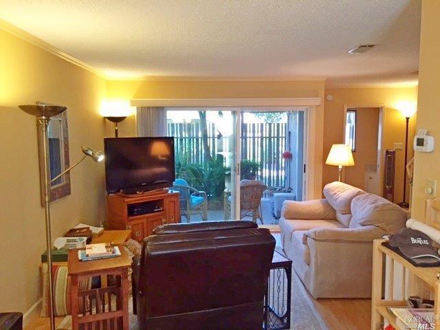 154 Roundtree Blvd, San Rafael, CA 94903