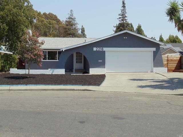 2216 Emerson Pl, Fairfield, CA 94533