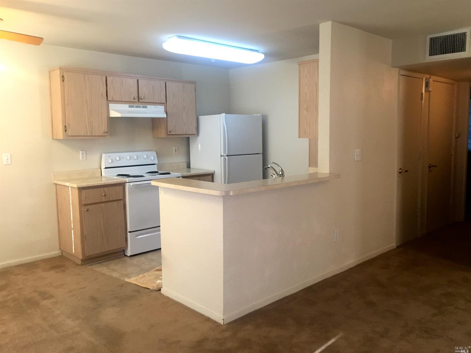 2001 Eastwood Drive #19, Vacaville, CA 95687