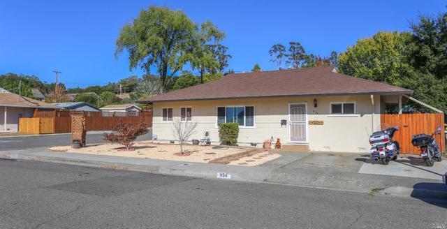 934 Maxwell St, Healdsburg, CA 95448