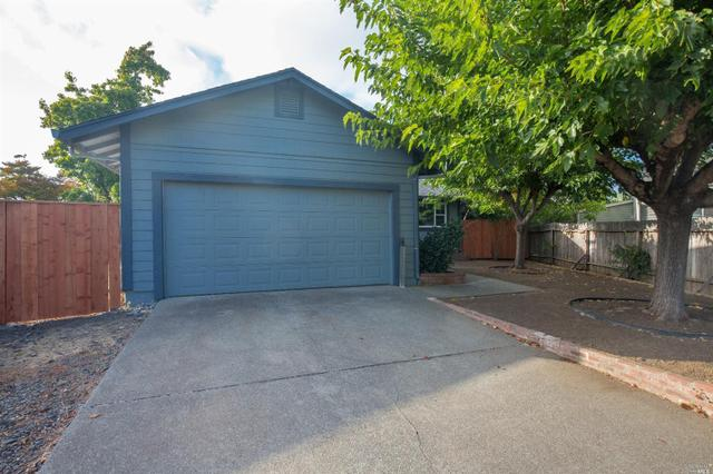 2439 Marilyn Ct, Santa Rosa, CA 95407