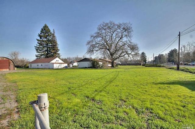 851 Brittain Ln, Santa Rosa, CA 95407