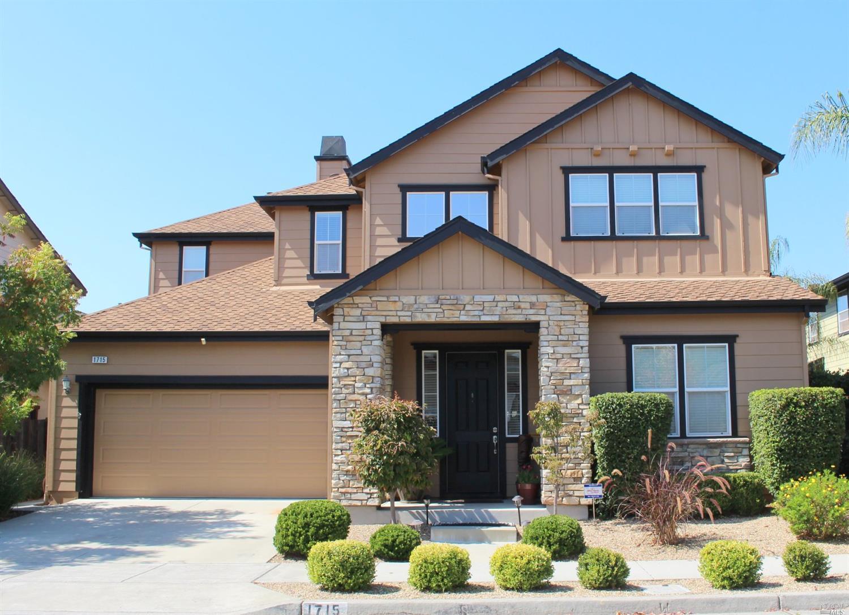 1715 Southview Dr, Petaluma, CA 94954