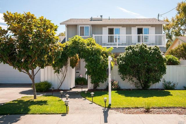 394 Albert Way, Petaluma, CA 94954